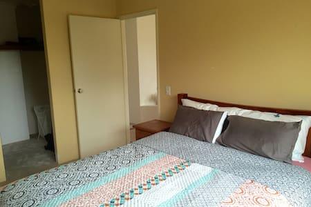 Affordable ensuite room in Iluka - Iluka - House