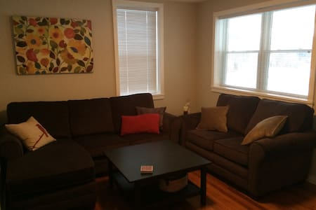 Cozy 2 Bed 8 Miles from Dreamspark! - Milford  - Hus