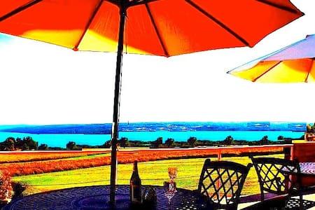 Ithaca - Cayuga Lake Inn & Villa's - Penzion (B&B)