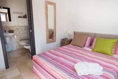 Locanda Tartarughino-Mono Acqua - Porto Rotondo - Bed & Breakfast