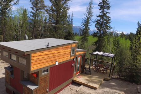 New Tiny House on Creekside Acreage - Invermere - Maison