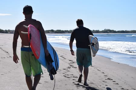 Nicaragua Surf & Fishing Trip- ALL INCLUSIVE TOUR! - Miramar - Bed & Breakfast