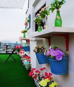 Two Thums 한강, 강남까지 보이는 이태원 최고의 전경(옥상 BBQ Party 가능) - Yongsan-gu - Huis