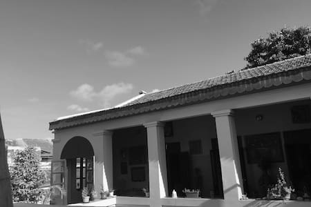 Belle chambre double au coeur de Gorée - Haus