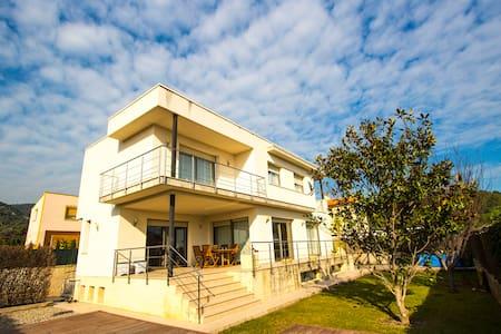 Villa Alcover 35km to the beach! - Casa