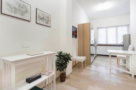 Lovely pied a terre in Milan