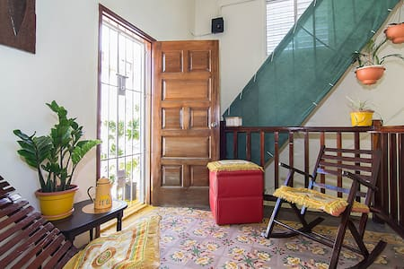 Spacious & Breezy Colonial Apt w/ Private Rooftop - Santo Domingo