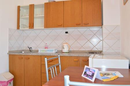 Apartments Milić / One bedroom A1 - Gornji Karin