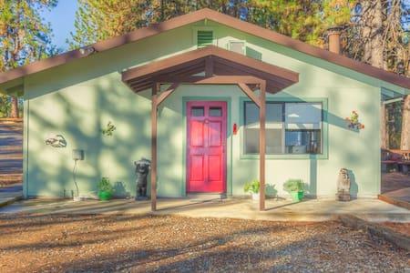 The Poppy Cottage, Yosemite Park - Mariposa - Casa