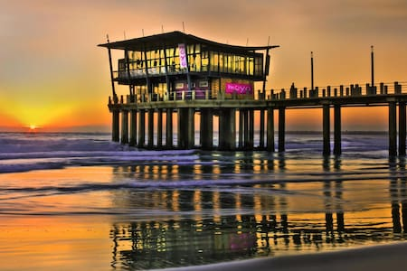 2 Bed Modern Beach Apartment - Durban