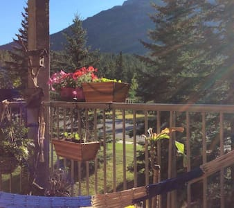 Retreat for Solo Female Travelers - Canmore - Appartement