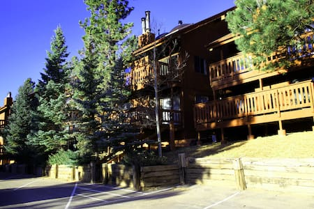 3/3 Condo, Across from Ski Area - Angel Fire - Appartement en résidence
