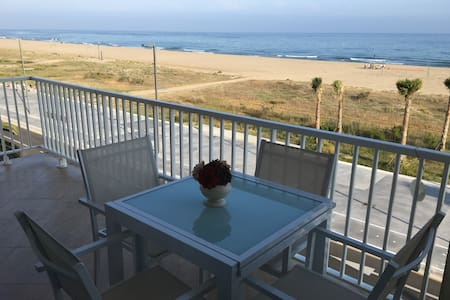 Perfect beach apt for families - Incredible views - Castelldefels - Apartemen