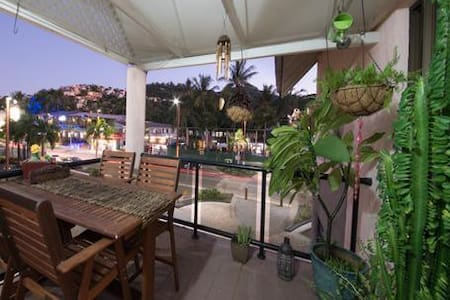 *NEW* Frangipani Waters - Central Airlie Beach - Apartment