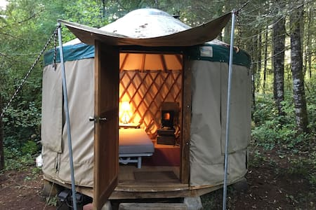 Yurt & RV in Quiet Country Setting - Jurta