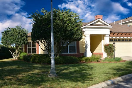 Luxury Carriage House Golf Front - The Villages - Ev