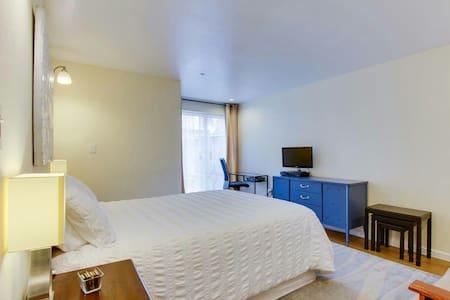 *pleasant graceful flats - Elm Grove - Wohnung