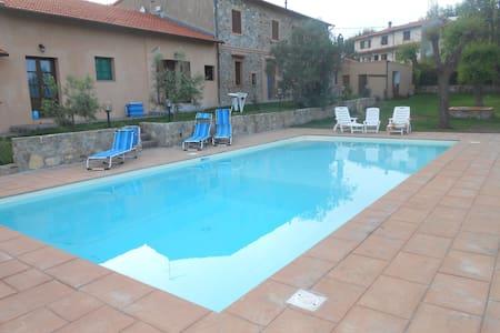 casolare con piscina vista mare - Villa