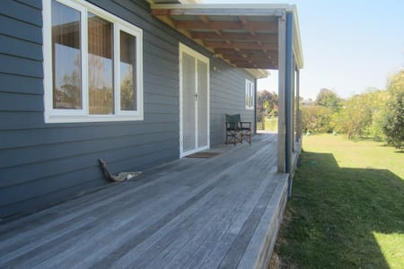 Spacious and relaxed beach house - Port Welshpool - House