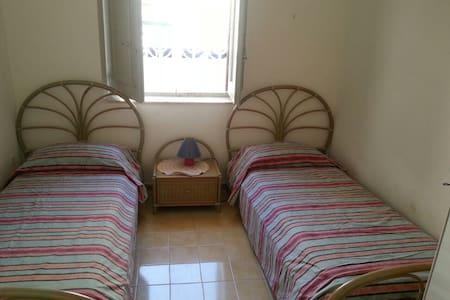 Camera da letto in accogliente casa - Haus