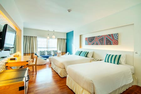 Fabulous​ beach side​ resort & majestic Sea view - Muang Pattaya - Bed & Breakfast
