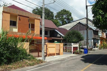 2 Brms in historic Takaupa/Khao Lak - Tambon Takua Pa - Townhouse