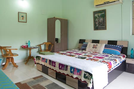 COOL ROOM with AC & TV NEAR AIRPORT - Pune