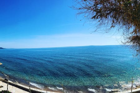 Dados Homes by the sea. Front House - Marathopoli - Apartment