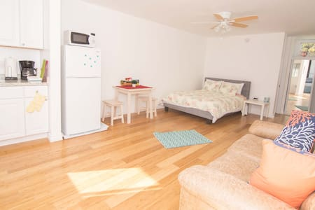 Beautiful Studio Right on Venice Beach - Wohnung