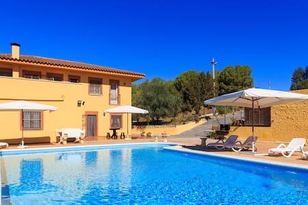 Gran casa con Piscina  HUTB-013329 - Castellet i la Gornal