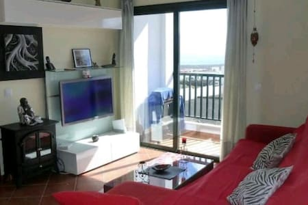 Acogedora casa con vistas al mar. - Apartament
