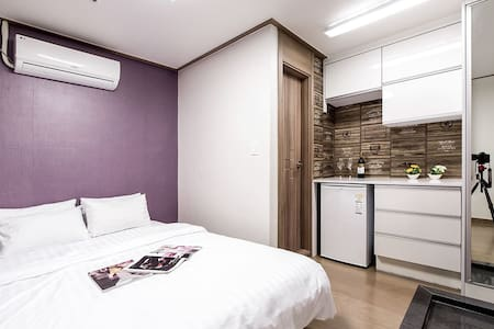 Double Room / only 1min to subway - Pousada