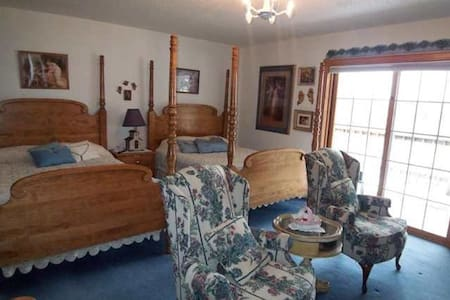 Charming Bed & Breakfast on Fisher Lake - Florencie - Penzion (B&B)