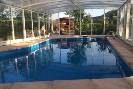 Trilocale in villa con piscina - Roccaravindola
