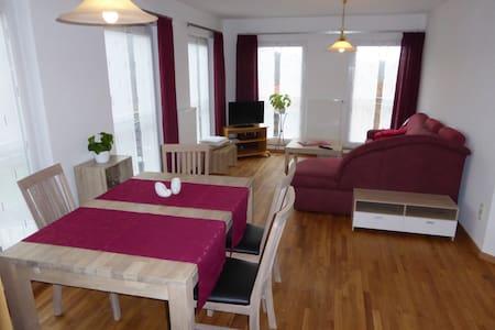 Helle 60qm Wohnung zum Wohlfühlen - Appartamento
