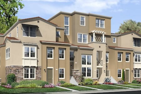 Beautiful Brand New Condo 3Bed/3Bath - 苗必达(Milpitas)