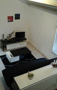 Studio mezzanine près la Soulondre - Apartment