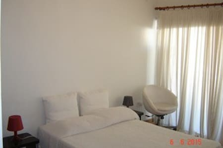 Cosy flat in centre 4 minutes from Larnaca Beach! - Larnaca - Apartment