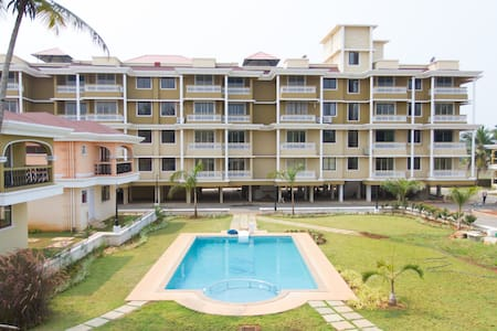 Calvin's Retreat 2BHK with poolview - Appartement