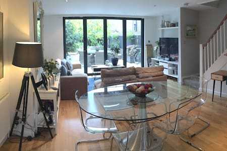 Double Room 5 mins from Kings rd - London - House