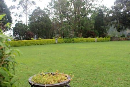 Thalayar Valley Bungalow Tea PlantationExperience - Munnar - Bungaló