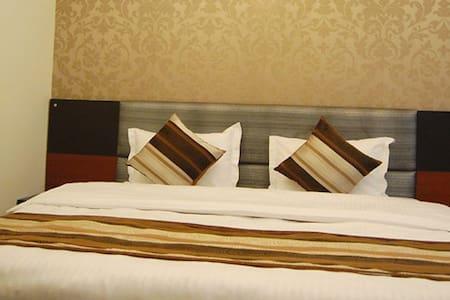 Family stay in Mahipalpur - Bed & Breakfast