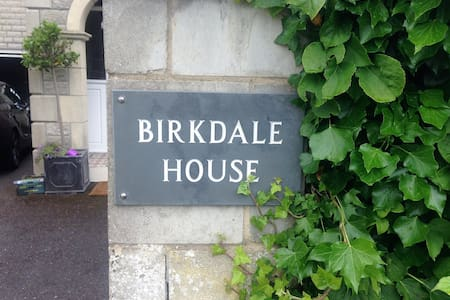 Birkdale House Tunley near Bath - House