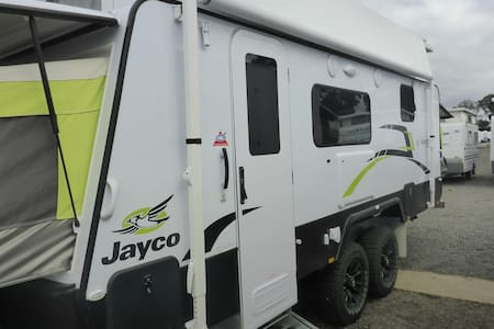 18ft Jayco Expanda to take with you - Camper/RV
