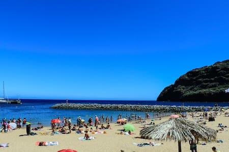 Praia 2 min a pé. AC. CASA DO PICO - Machico - Apartamento