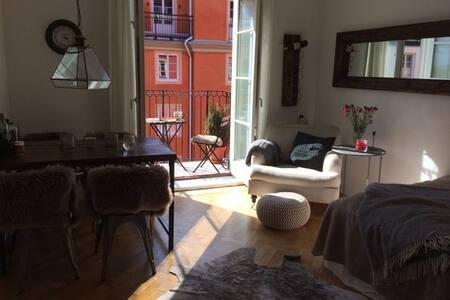Cozy apartment on trendy Södermalm - Estocolmo