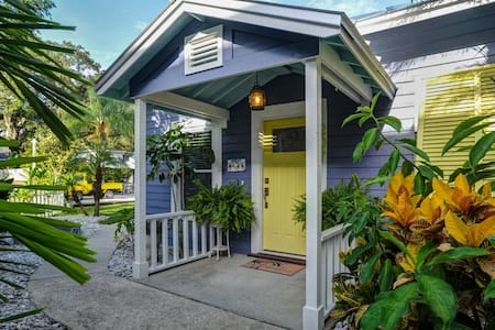 Seadog- Heart of Downtown Safety Harbor, Florida - Bungaló