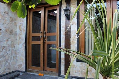 Bali Sunrise, The Buah Naga Room - Bed & Breakfast