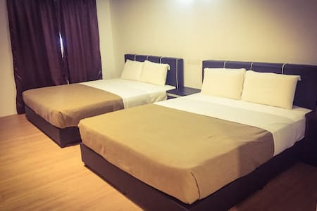 Uncle Guesthouse Deluxe Family Room - Kuala Terengganu