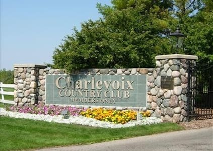 Charlevoix Country Club Condo, 2BR, 2BA - Condominium